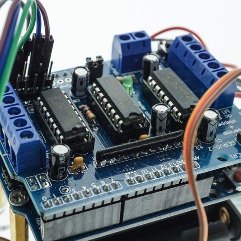 Конструктор Arduino Робомашинка з давачем (датчиком) для оминання перешкод + посібник користувача Прев'ю 2
